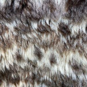 It's Our Time Jackets & Coats - Is Our Time Knit Hoodie Front Faux Fur Vest, L